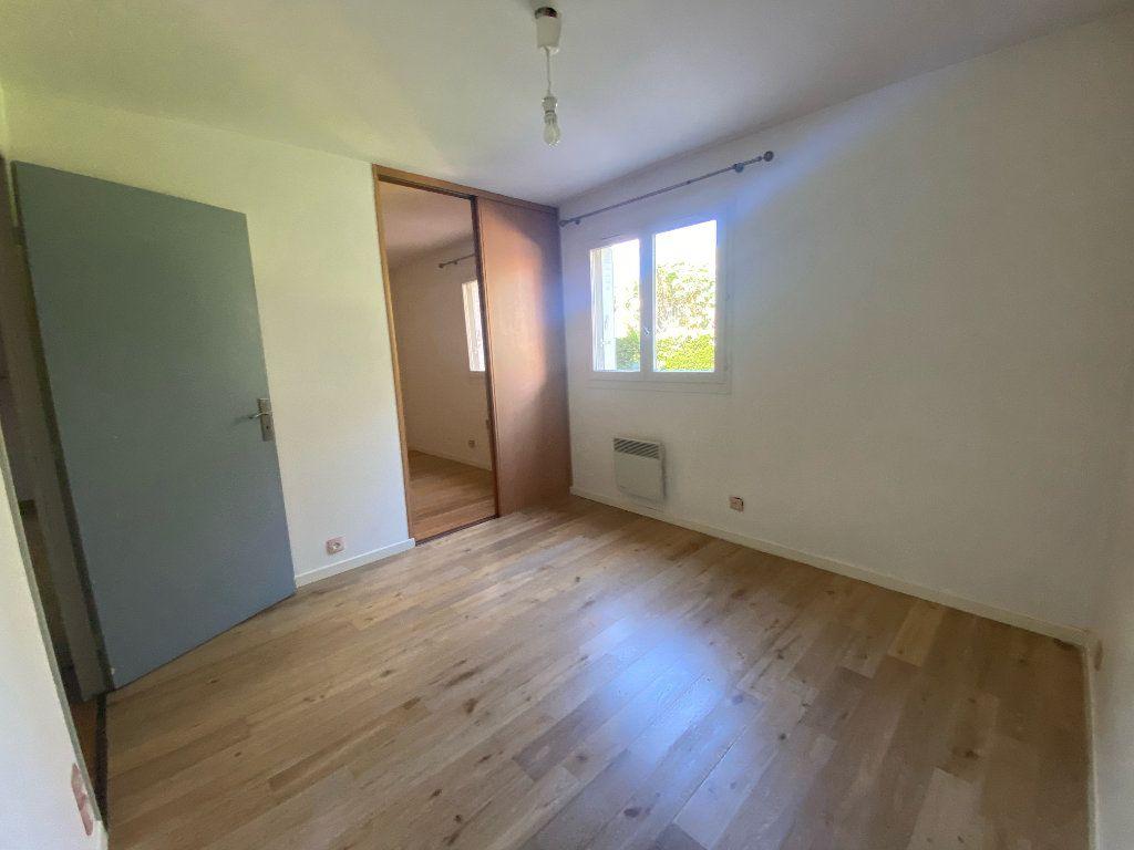 Appartement à louer 3 66.27m2 à Marseille 8 vignette-5