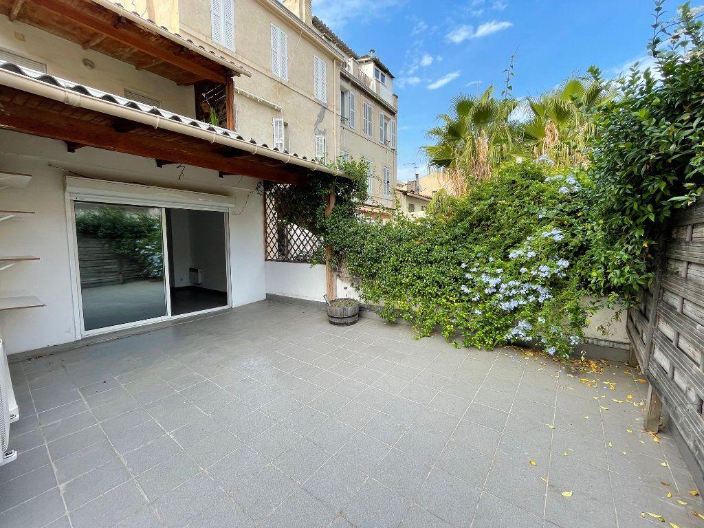 Appartement à louer 3 65m2 à Marseille 6 vignette-1