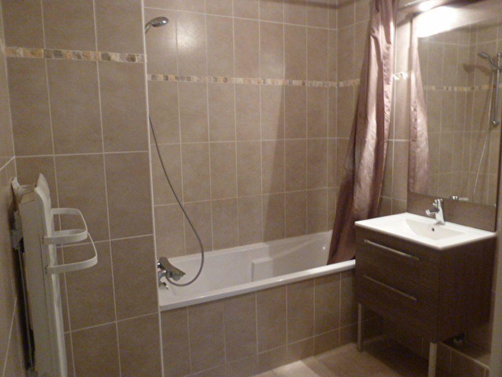 Appartement à louer 3 55.94m2 à Marseille 8 vignette-5