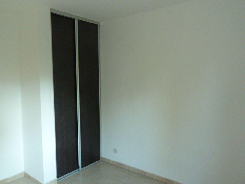 Appartement à louer 3 55.94m2 à Marseille 8 vignette-7