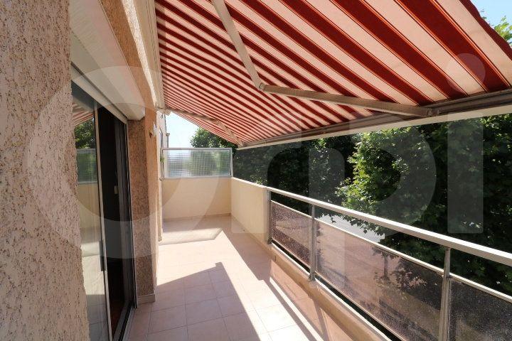 Appartement à louer 4 72m2 à Marseille 8 vignette-1