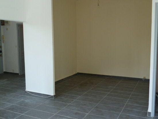 Appartement à vendre 2 42m2 à Marseille 3 vignette-3
