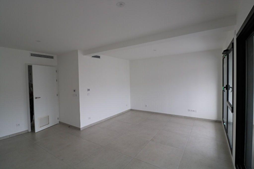 Appartement à louer 2 52.42m2 à Marseille 12 vignette-3