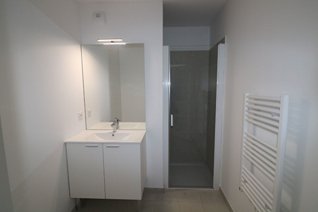 Appartement à louer 2 52.42m2 à Marseille 12 vignette-6