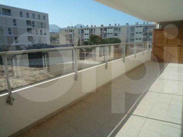 Appartement à louer 3 60m2 à Marseille 9 vignette-1