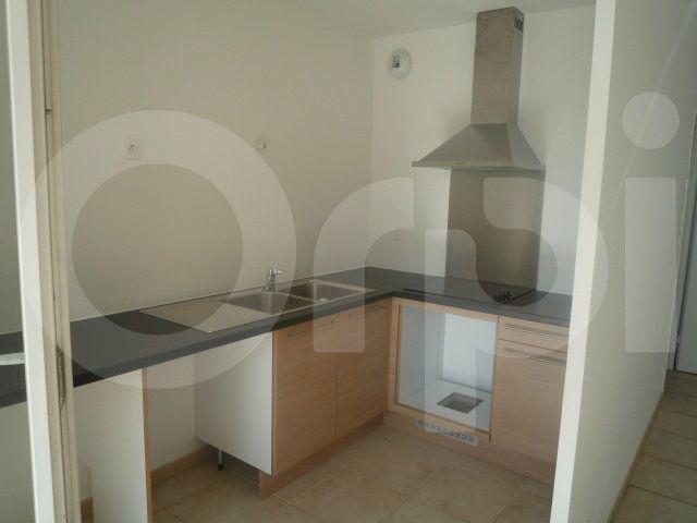 Appartement à louer 3 60m2 à Marseille 9 vignette-2