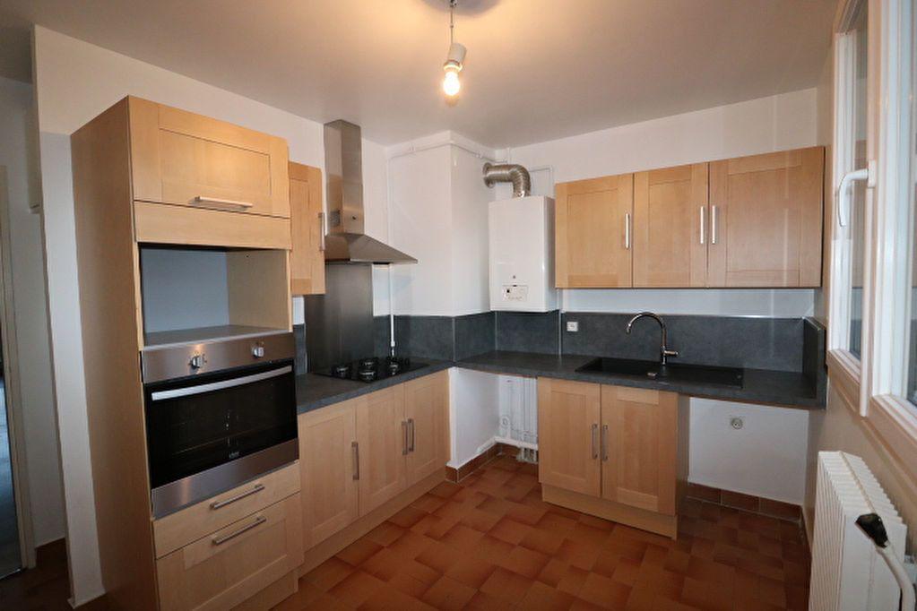 Appartement à louer 3 65.32m2 à Marseille 10 vignette-3