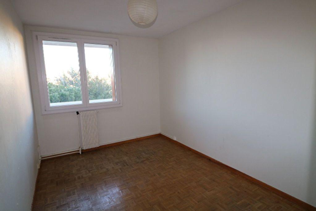Appartement à louer 3 65.32m2 à Marseille 10 vignette-4