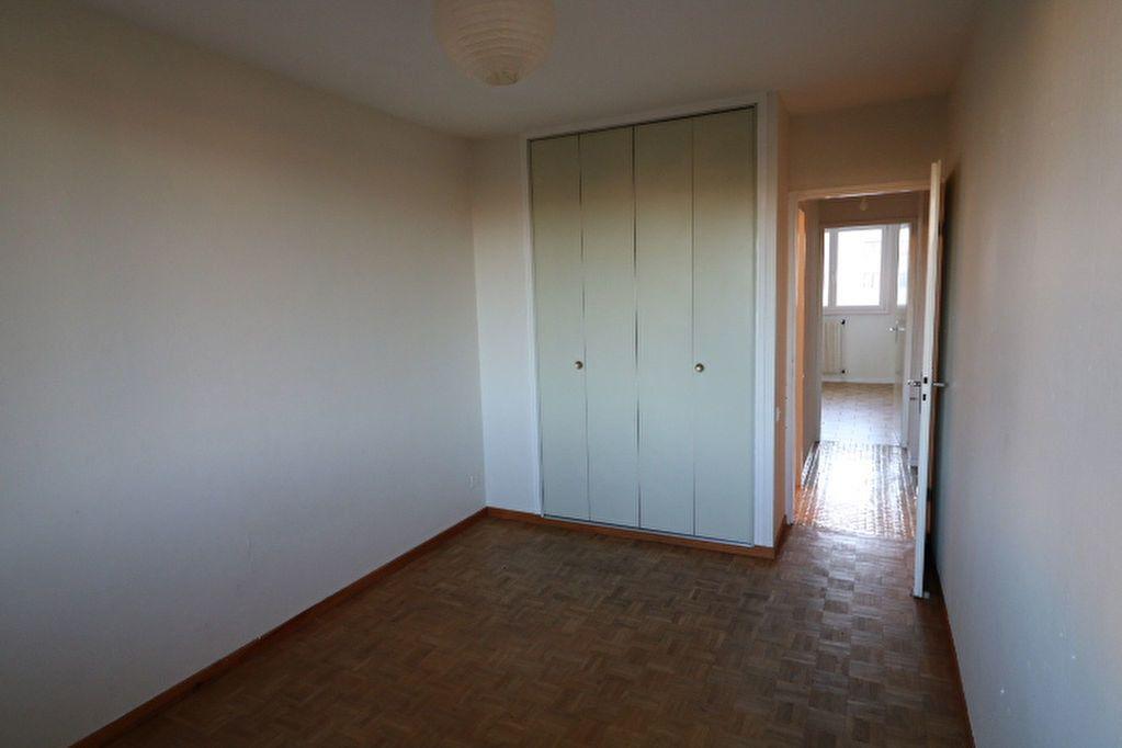 Appartement à louer 3 65.32m2 à Marseille 10 vignette-5