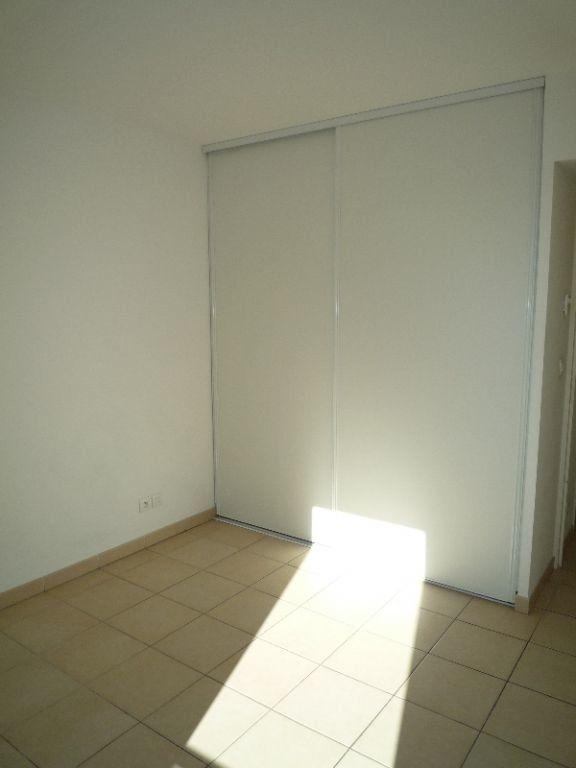 Appartement à louer 3 72.83m2 à Marseille 8 vignette-7