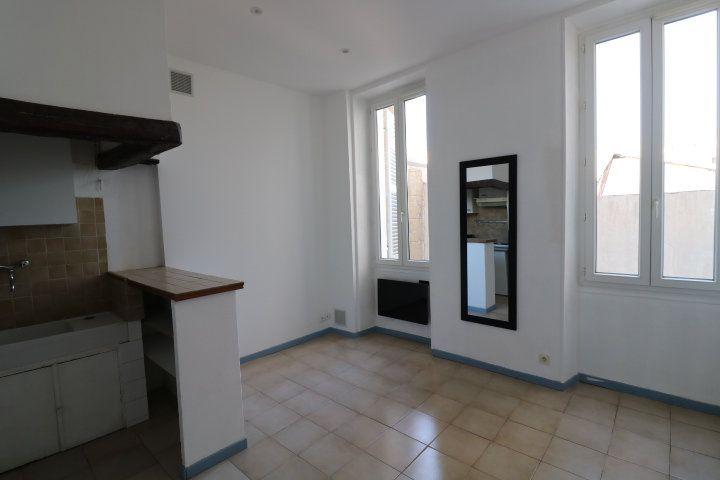 Appartement à louer 2 29.02m2 à Marseille 5 vignette-1