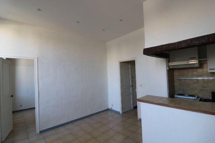 Appartement à louer 2 29.02m2 à Marseille 5 vignette-2