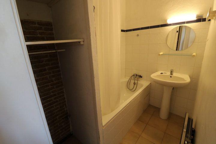 Appartement à louer 2 29.02m2 à Marseille 5 vignette-4