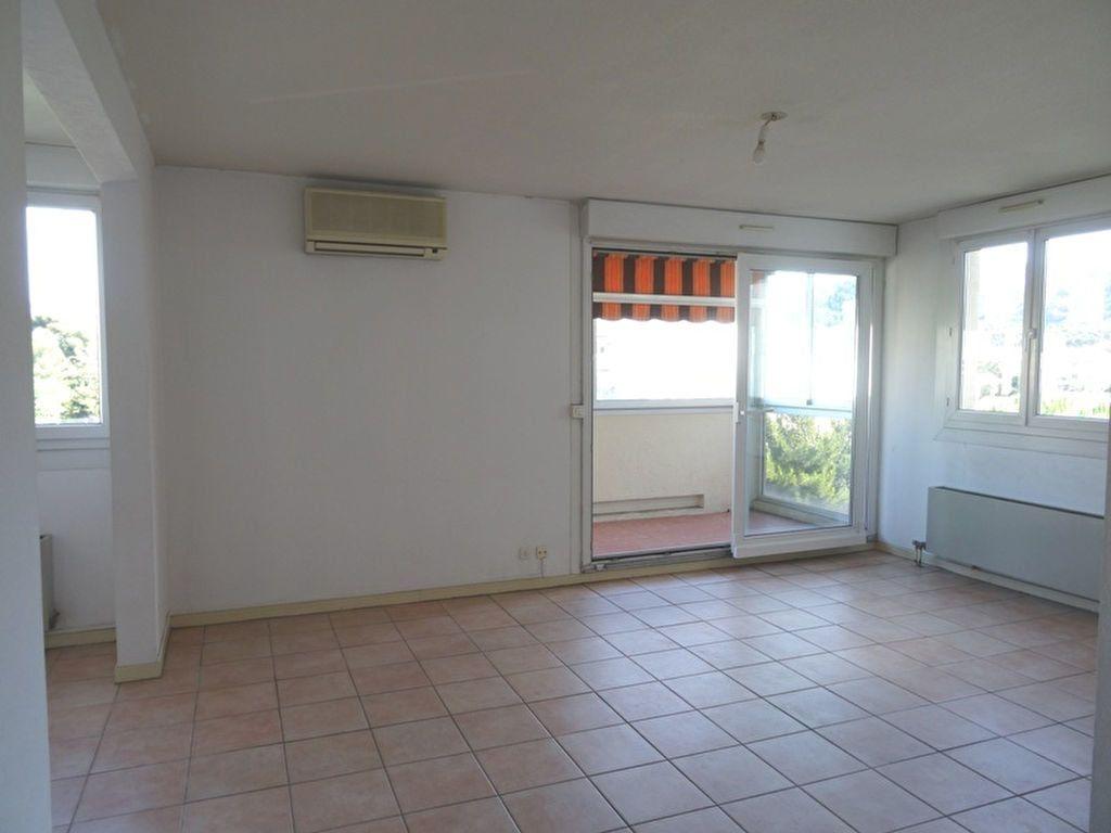 Appartement à louer 4 90m2 à Marseille 8 vignette-2