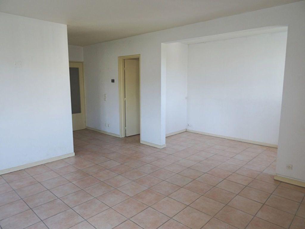Appartement à louer 4 90m2 à Marseille 8 vignette-3