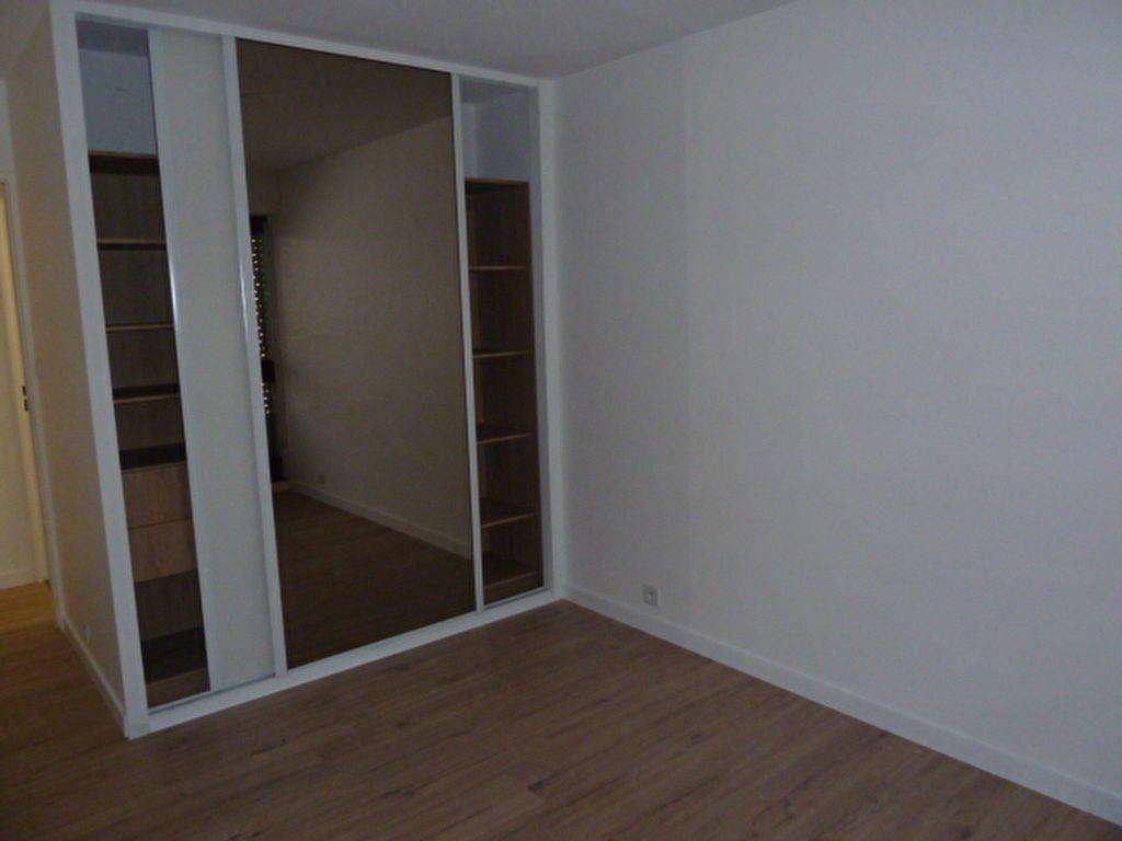 Appartement à louer 2 55.06m2 à Marseille 9 vignette-4