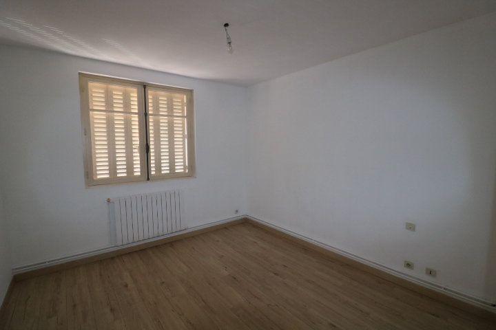 Appartement à louer 3 55.91m2 à Marseille 9 vignette-4