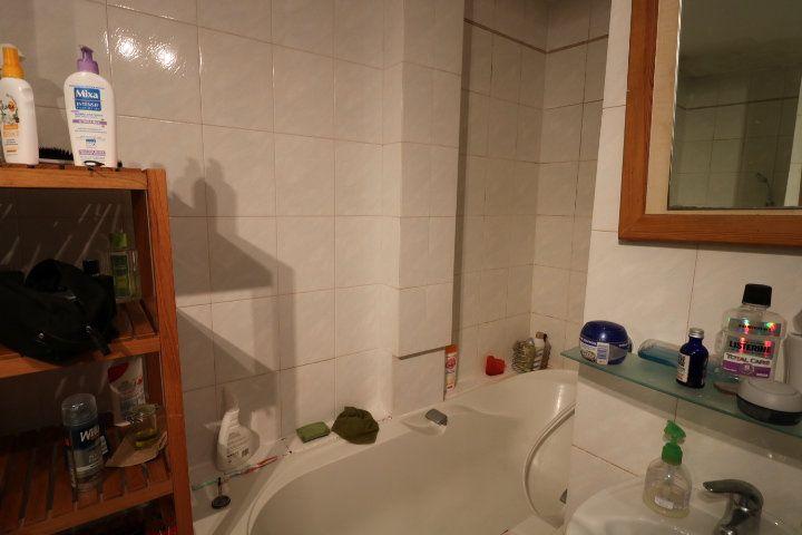 Appartement à louer 3 55.91m2 à Marseille 9 vignette-7