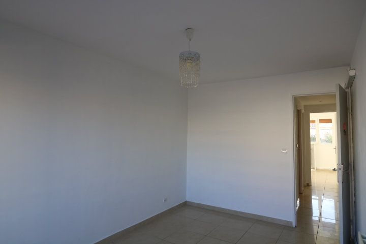 Appartement à louer 3 60.25m2 à Marseille 8 vignette-9