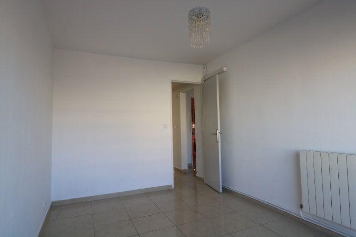 Appartement à louer 3 60.25m2 à Marseille 8 vignette-10