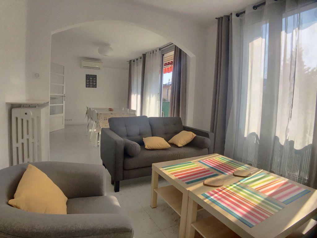 Appartement à louer 4 75.52m2 à Marseille 9 vignette-1
