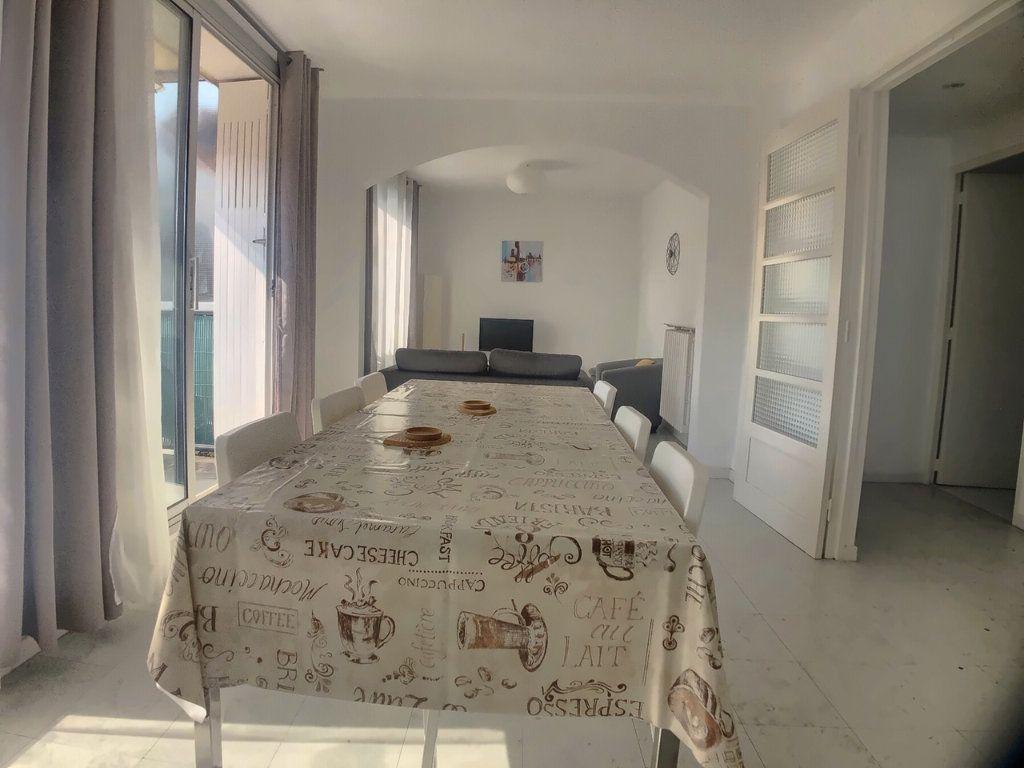 Appartement à louer 4 75.52m2 à Marseille 9 vignette-3