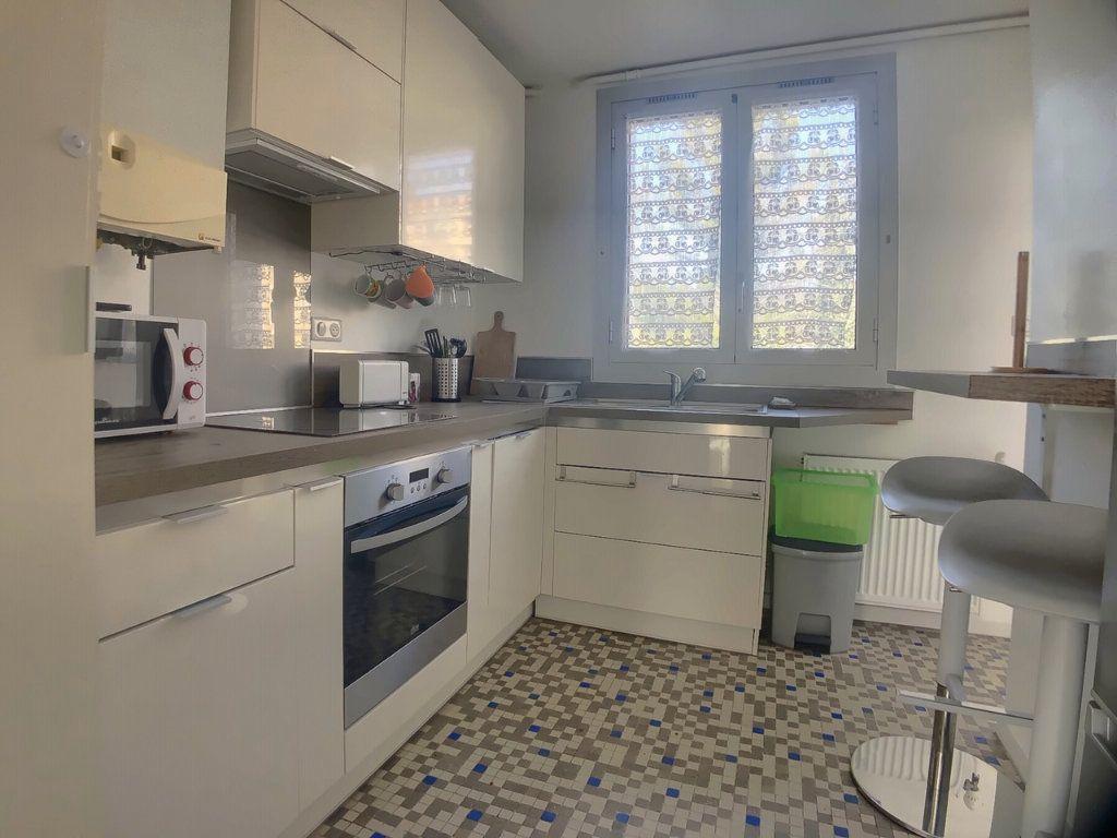 Appartement à louer 4 75.52m2 à Marseille 9 vignette-4
