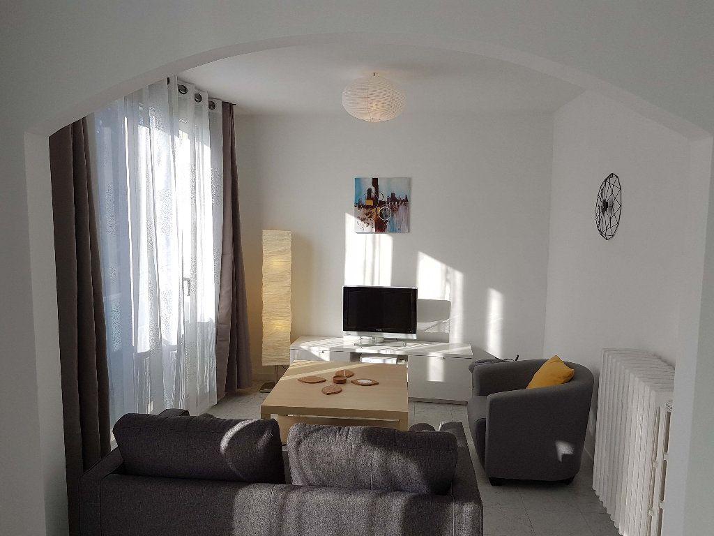 Appartement à louer 4 75.52m2 à Marseille 9 vignette-6
