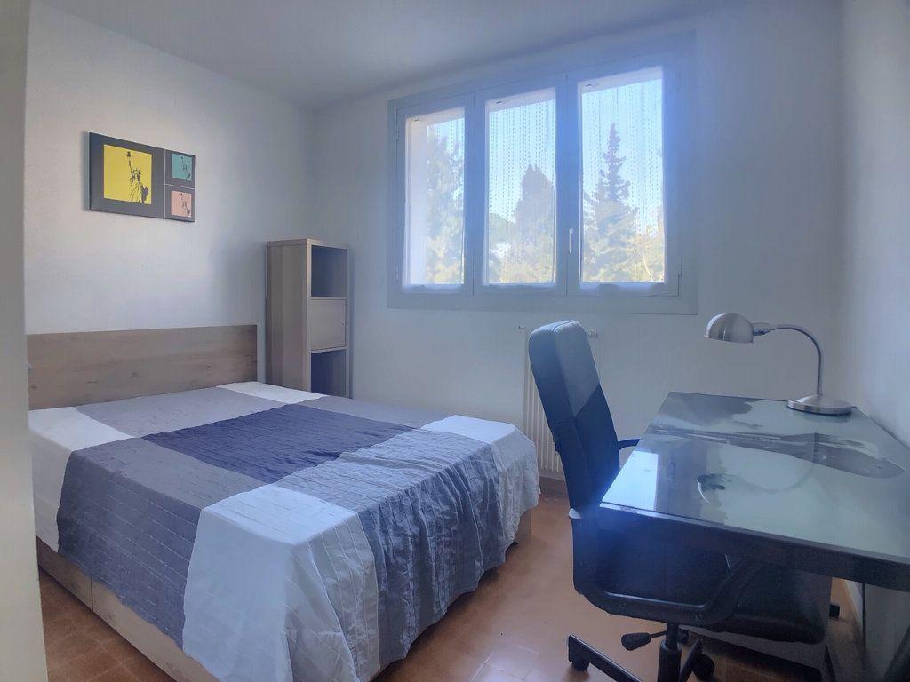 Appartement à louer 4 75.52m2 à Marseille 9 vignette-9