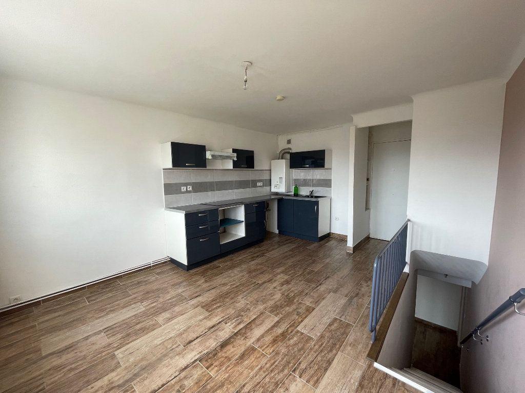 Appartement à louer 2 64.77m2 à Marseille 8 vignette-3