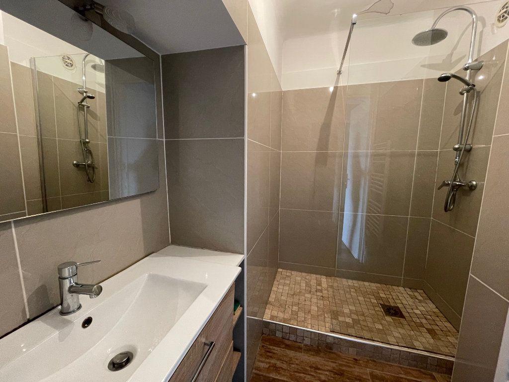 Appartement à louer 2 64.77m2 à Marseille 8 vignette-6