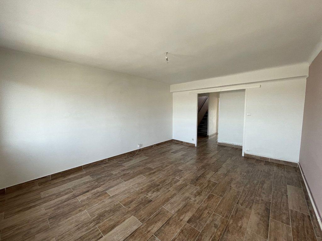 Appartement à louer 2 64.77m2 à Marseille 8 vignette-8
