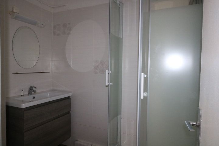 Appartement à louer 2 38.97m2 à Marseille 9 vignette-3