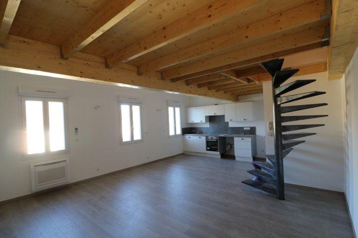 Appartement à louer 2 49.88m2 à Marseille 9 vignette-1