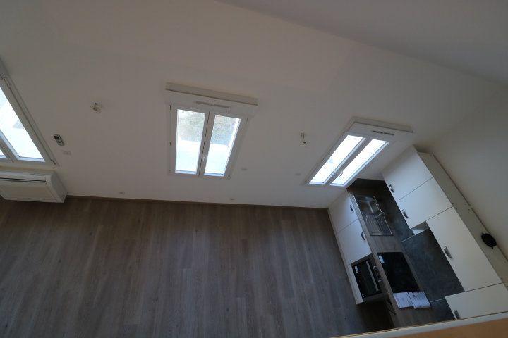 Appartement à louer 2 49.88m2 à Marseille 9 vignette-2