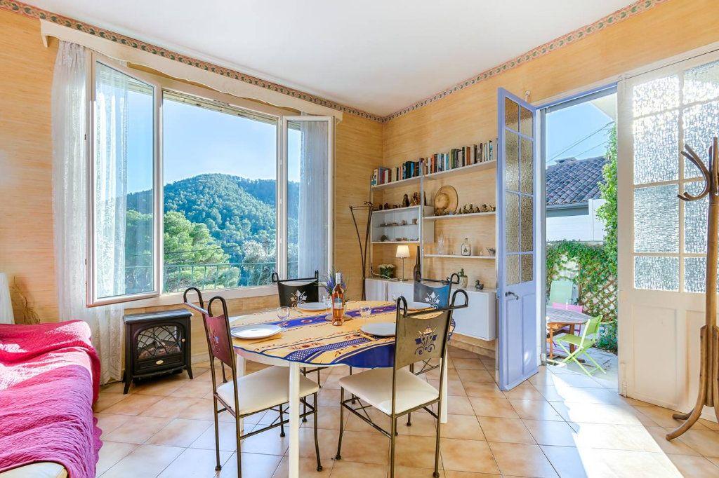 Appartement à louer 2 65m2 à Marseille 9 vignette-2