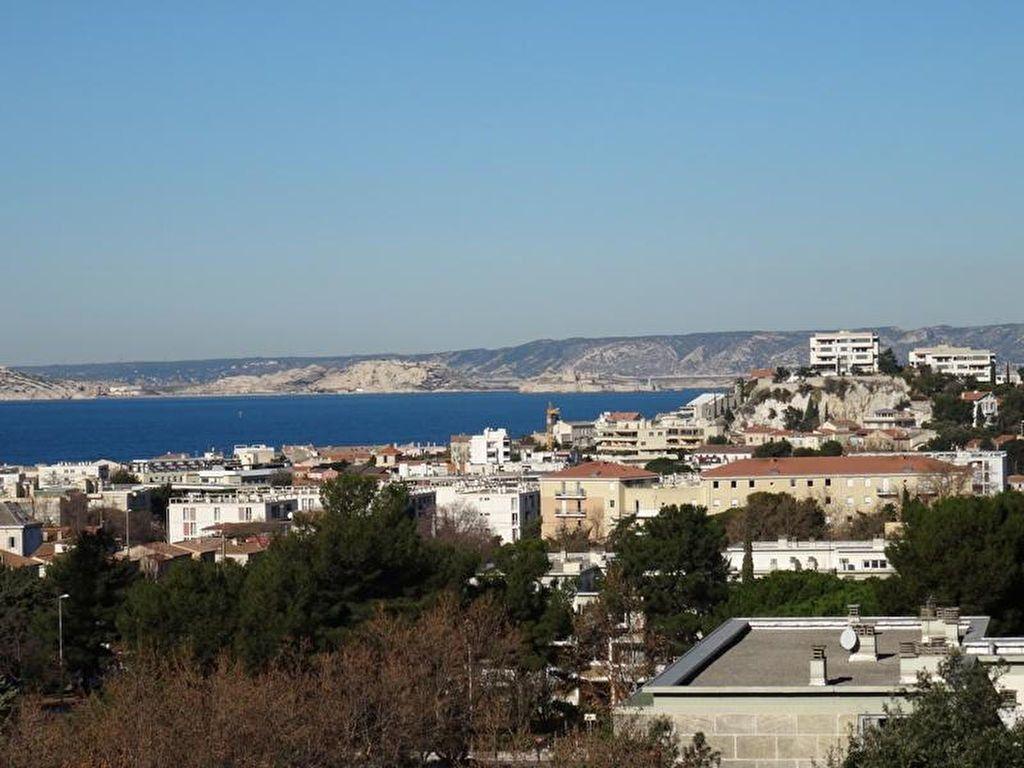 Appartement à louer 3 92.63m2 à Marseille 8 vignette-1