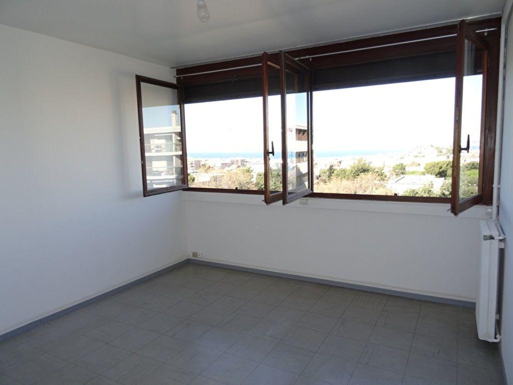Appartement à louer 3 92.63m2 à Marseille 8 vignette-4
