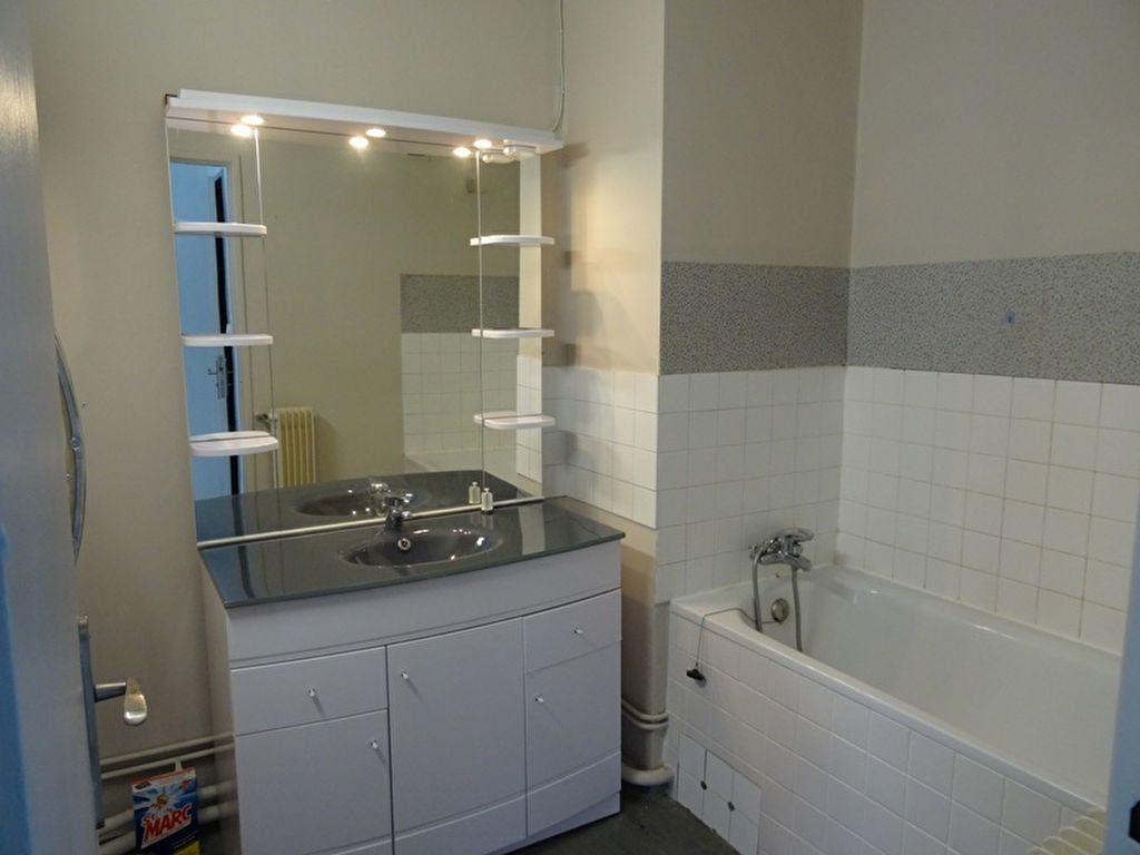 Appartement à louer 3 92.63m2 à Marseille 8 vignette-5