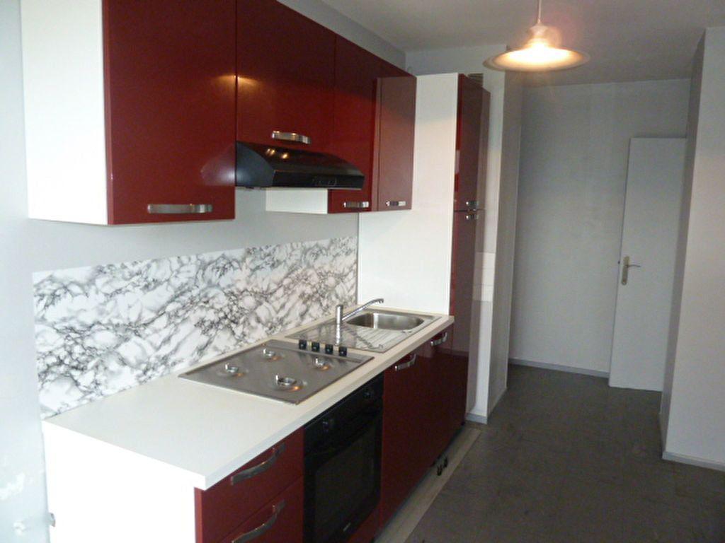 Appartement à louer 3 92.63m2 à Marseille 8 vignette-7