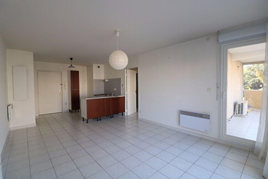 Appartement à louer 2 40m2 à Marseille 9 vignette-1