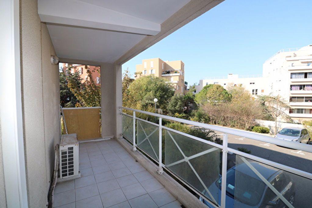 Appartement à louer 2 40m2 à Marseille 9 vignette-2