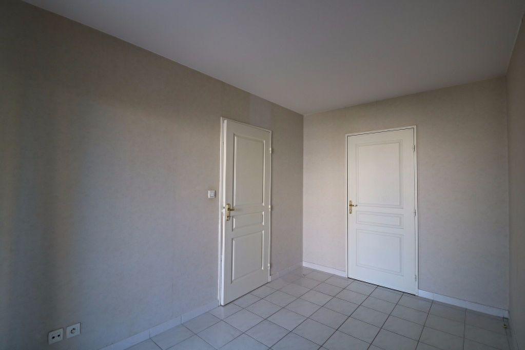 Appartement à louer 2 40m2 à Marseille 9 vignette-4