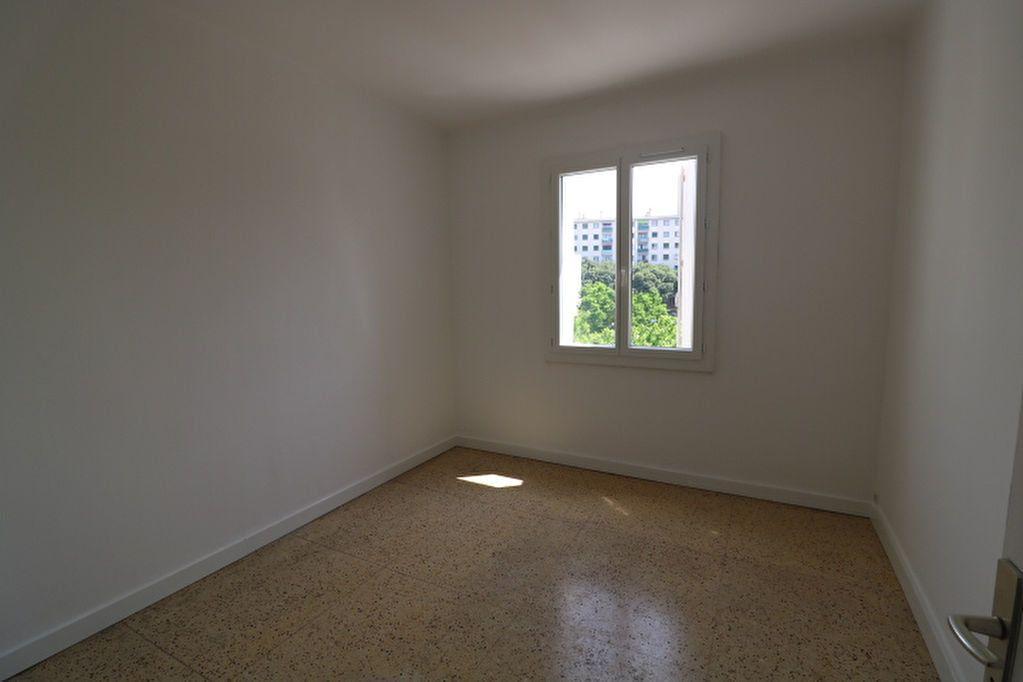 Appartement à louer 4 63.61m2 à Marseille 8 vignette-6