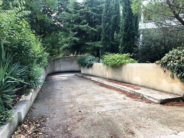 Stationnement à louer 0 14m2 à Marseille 9 vignette-1