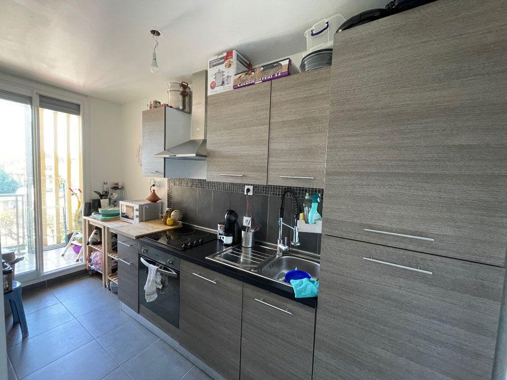 Appartement à louer 2 46.07m2 à Marseille 10 vignette-2