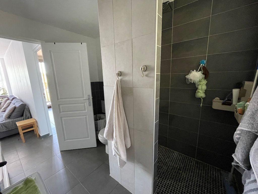 Appartement à louer 2 46.07m2 à Marseille 10 vignette-4