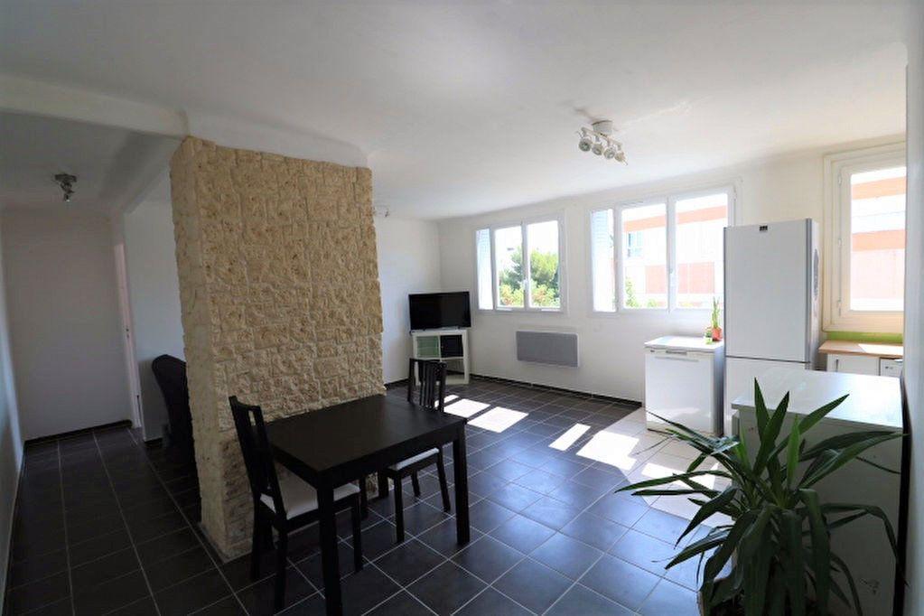 Appartement à vendre 3 60.19m2 à Marseille 8 vignette-2