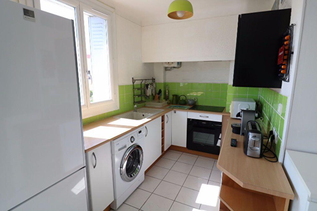 Appartement à vendre 3 60.19m2 à Marseille 8 vignette-3