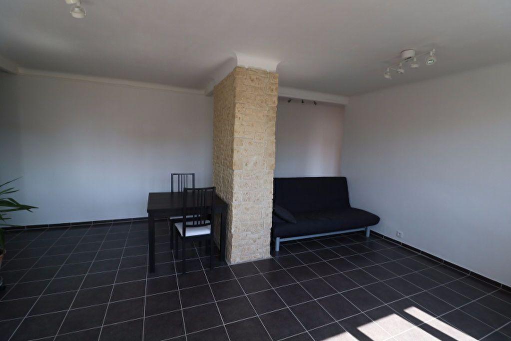 Appartement à vendre 3 60.19m2 à Marseille 8 vignette-4